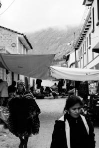Todos los domingos tiene lugar en Tarabuco (Bolivia) un mercado artesanal que destaca por sus tejidos tradicionales. Enero de 2015.